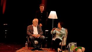 Jacques Weber, François Morel et Raymonde Viret sur la scène du théâtre de Périgueux.  (France 3)