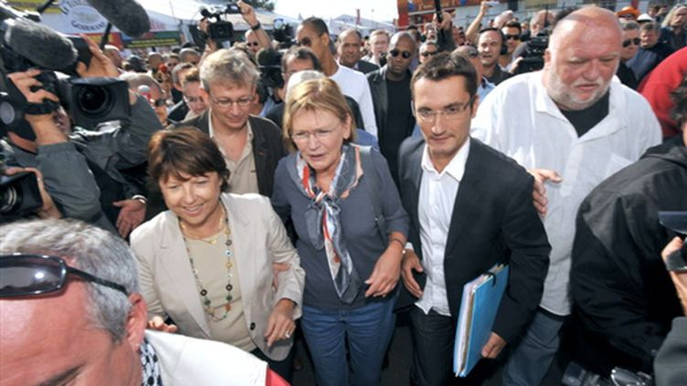 Martine Aubry (PS) et Marie-George Buffet (PCF) à la fête de l'Humanité le 13 septembre 2009 (© AFP PHOTO MIGUEL MEDINA)