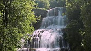 Jura : les magnifiques cascades de la vallée du Hérisson (France 2)