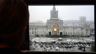 Capture d'écran de la vidéo de l'explosion survenue le 29 décembre 2013 à la gare de Volgograd (Russie). (VASILY MAXIMOV / AFP)