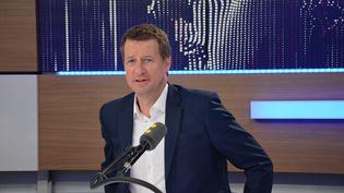 Yannick Jadot,député européen EELV, qualifié pour le second tour de la primaire des écologistes. (Jean-Christophe Bourdillat / Radio France)