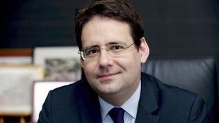 L'ex-secrétaire d'Etat au Tourisme et au Commerce extérieur,Matthias Fekl, dans son bureau à Paris, le 5 juillet 2016. (ERIC PIERMONT / AFP)