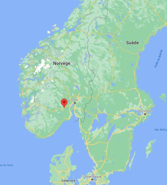 En rouge, sur cette carte Google Maps, la ville de Kongsberg, au sud-est de la Norvège, où a eu lieu l'attaque meurtrière avec un arc et des flèches mercredi 13 octobre. (GOOGLE MAPS)
