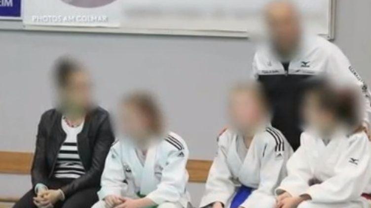 Capture d'écran d'un reportage de France 2 sur un cas de violence sexuelle dans le judo, diffusé le 5 février 2020. (FRANCE 2)