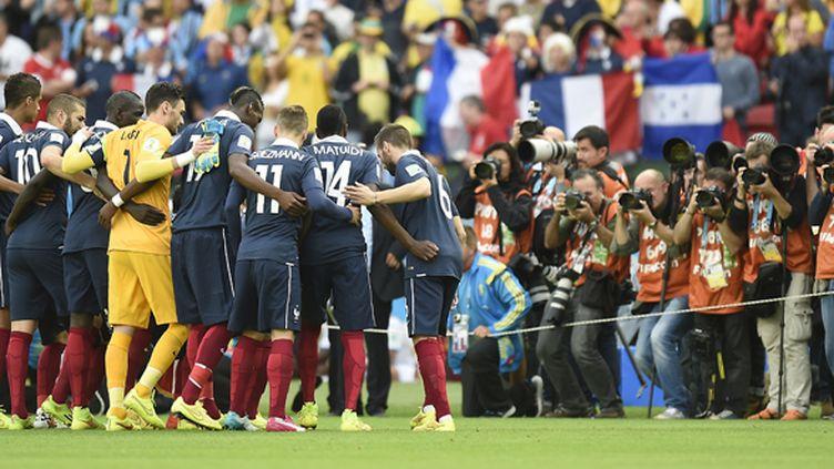 L'équipe de France serre les rangs (JUAN BARRETO / AFP)