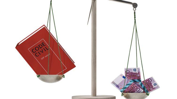 Quatre mois après la publication de la circulaire Cazeneuve, fin juin 2013, environ 4 000 foyers se sont rapprochés de l'administration fiscale. (CHARLIE ABAD / PHOTONONSTOP / AFP)