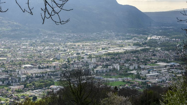 La vallée de l'Arve, le 17 avril 2017. (DENIS CHARLET / AFP)
