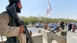 Des combattants talibans à Kaboul, le 17 août 2021. (JAVED TANVEER / AFP)