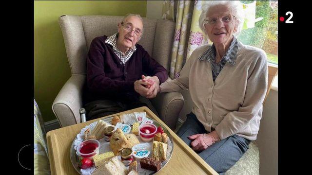 Royaume-Uni : les retrouvailles d'un couple de retraités bouleversent les internautes