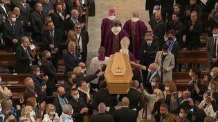 Mort de Bernard Tapie : les Marseillais lui ont rendu un dernier hommage (FRANCE 2)