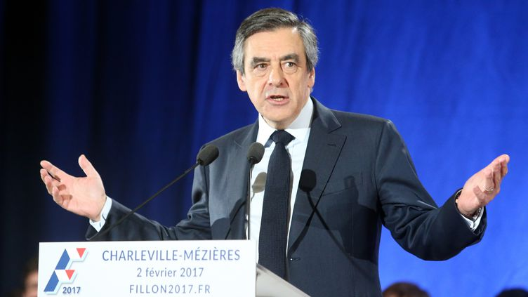 François Fillon en meeting à Charleville-Mézières (Ardennes), le 2 février 2017. (FRANCOIS NASCIMBENI / AFP)
