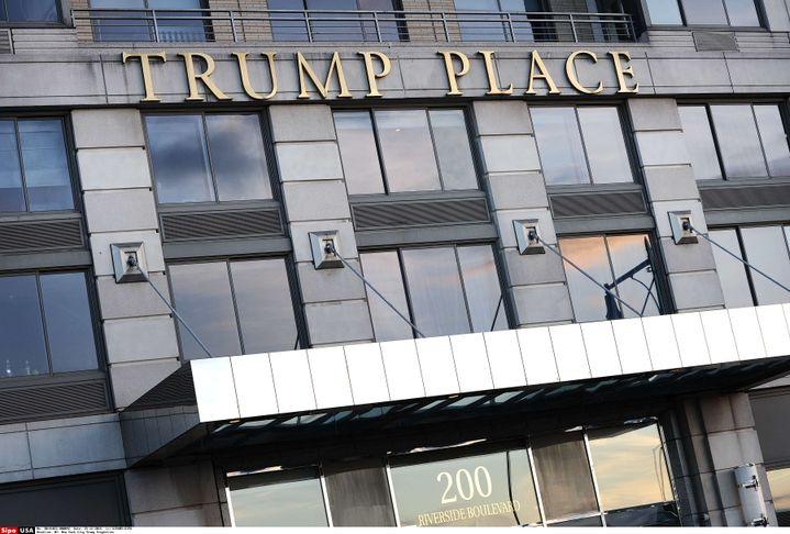 Un immeuble au nom de Donald Trump à New York (Etats-Unis), le 25 janvier 2016. (SIPANY /SIPA)
