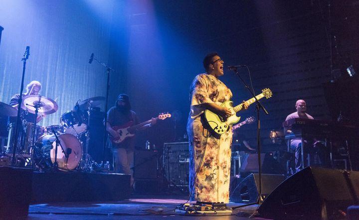 Les Alabama Shakes au Festival Les Inrocks 2015 sur la scène du Casino de Paris.  (Nathalie Guyon / Studio France Télévisions)
