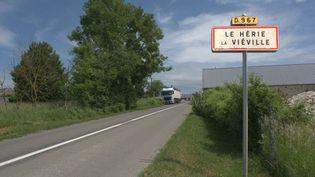 L'une des entrées du Hérie-la-Viéville, dans l'Aisne, où a été retrouvé le corps de Tom, 9 ans, le 28 mai 2018. (MATHILDE GOUPIL / FRANCEINFO)