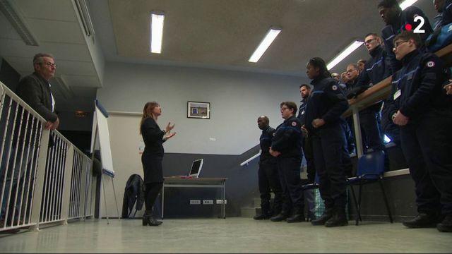 Prisons : apprendre à gérer les détenus violents