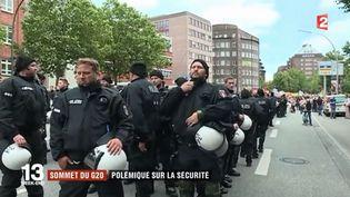 Amaury Guibert est en direct de Hambourg (Allemagne) où une manifestation anti G20 est sur le point de débuter (FRANCE 2)