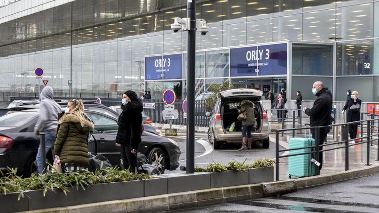 Une entrée de l'aéroport d'Orly (illustration, le 7 février 2021). (MAGALI COHEN / HANS LUCAS)