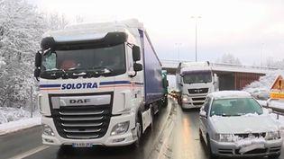 Des véhicules bloqués sur l'A31 jeudi 31 janvier (CAPTURE D'ÉCRAN FRANCE 3)