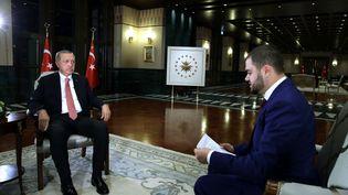 Le président turc Recep Tayyip Erdogan lors d'une interview accordée à la chaîne A-Jazeera, le 20 juillet 2016. (TURKISH PRESIDENCY / MURAT CETIN / ANADOLU AGENCY / AFP)