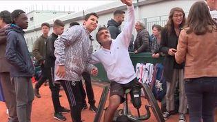 Un nouveau tournoi débute jeudi 6 juin à Roland-Garros, celui du tennis-fauteuil. Parmi les favoris, un Français, Stéphane Houdet. (FRANCE 3)