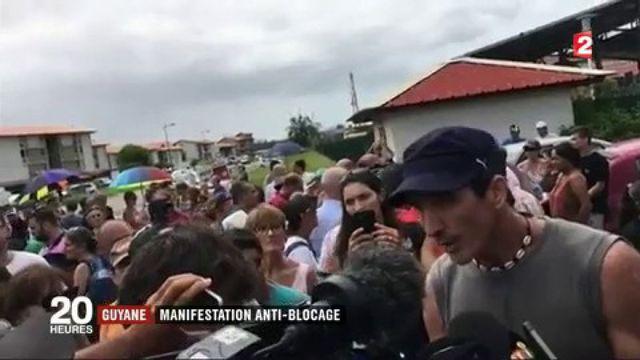 Guyane : plusieurs centaines de manifestants se mobilisent contre le blocage