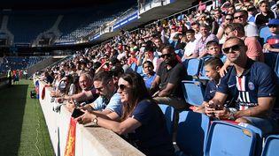 Les supporters respectent la distanciation sociale lors d'un match amical Le Havre-PSG, le 12 juillet 2020 au Stade Océane du Havre (Seine-Maritime). (ANNE-CHRISTINE POUJOULAT / AFP)