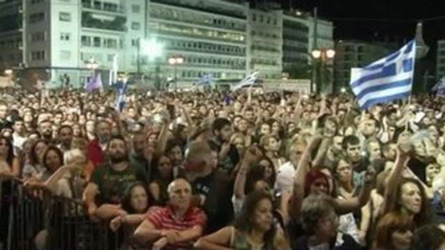 Referendum : la Grèce retient son souffle
