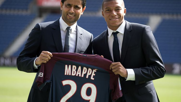 Kylian Mbappé a été présenté officiellement aux supporteurs du PSG ce mercredi.  (PHILIP ROCK / ANADOLU AGENCY)