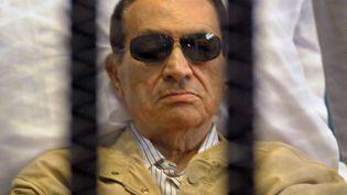 L'ancien président égyptien Hosni Moubarak le 2 juin 2012 au tribunal du Caire (Egypte) lors de l'énoncé de son verdict. (AFP)