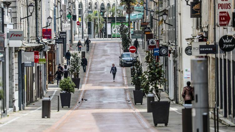 La ville de Pau (Pyrénées-Atlantiques) pendant le confinement, le 6 avril 2020. (MAXPPP)