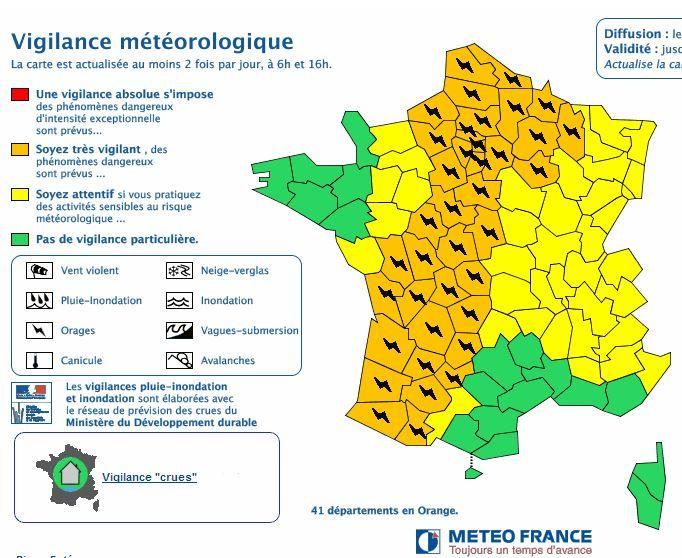 Capture d'écran du site de Météo France, le 9 juin 2014 à 17h30. (METEO FRANCE / FRANCETV INFO)