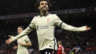 Mohamed Salah est devenu le meilleur buteur africain de Premier League, dimanche 24 octobre. (OLI SCARFF / AFP)