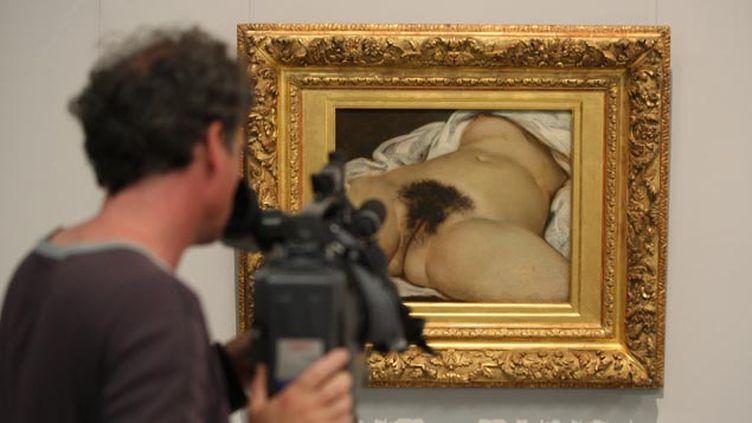 """(Facebook a censuré le compte d'un Français qui avait publié """"L'origine du monde"""" de Courbet © Maxppp)"""