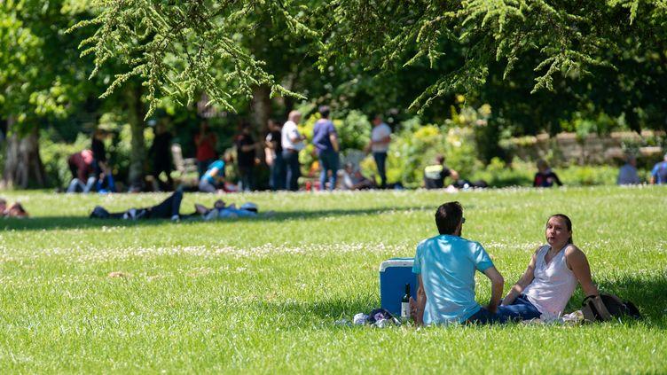 Un parc à Brantôme (Dordogne), le 17 mai 2020. (ROMAIN LONGIERAS / HANS LUCAS / AFP)