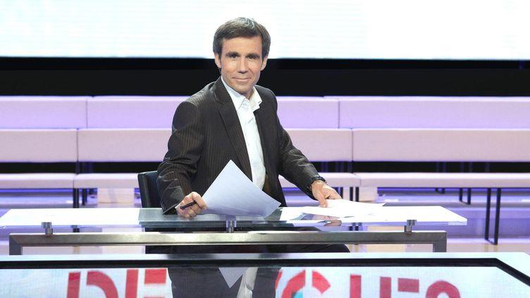 """David Pujadas animera les deux émissions spéciales """"Des paroles et des actes"""" des 11 et 12 avril (Julien Knaub/FTV)"""