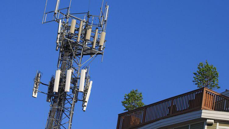 Un relais téléphonique. Photo d'illustration. (MAXPPP)