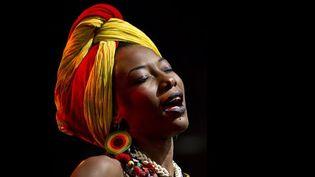 La chanteuse, musicienne et comédienne malienne Fatoumata Diawara, à l'initiative de la chanson pour le Mali.  (Paul Bergen / ANP / AFP)