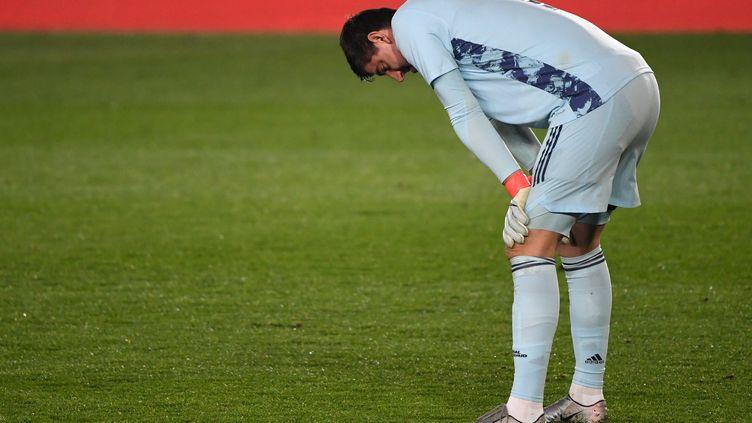 Thibaut Courtois, fautif sur l'ouverture du score d'Alavés (PIERRE-PHILIPPE MARCOU / AFP)