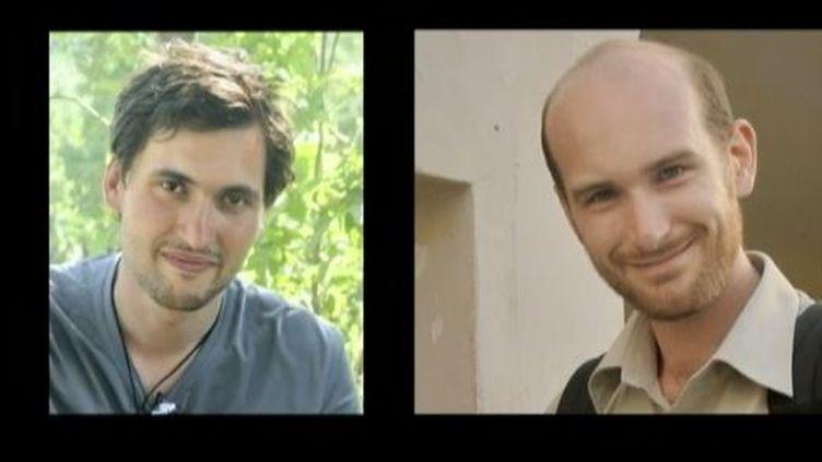 Pierre Torrès (G), photographe de 29 ans etNicolas Hénin, reporter de 37 ans. ( FRANCE 2 / FRANCETV INFO)
