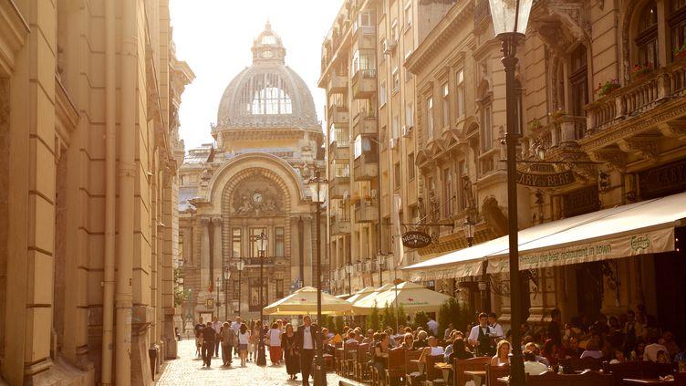 La vieille ville de Bucarest (ALEXANDER SPATARI / MOMENT RM / GETTY IMAGES)