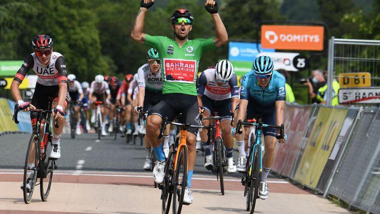 L'Italien Sonny Colbrelli s'est imposé lors de la troisième étape du Critérium du Dauphiné. (ALAIN JOCARD / AFP)