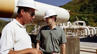 Photo d'archive prise le 28 novembre 2003, à la jonction de comptage du gazoduc Yadana de Total, à la frontière entre le Myanmar et la Thaïlande. (PASCALE TROUILLAUD / AFP)