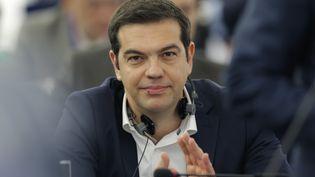 Le Premier ministre grec, Alexis Tsipras, lors d'un débat devant le Parlement européen à Strasbourg (Bas-Rhin), le 8 juillet 2015. (VINCENT KESSLER / REUTERS)