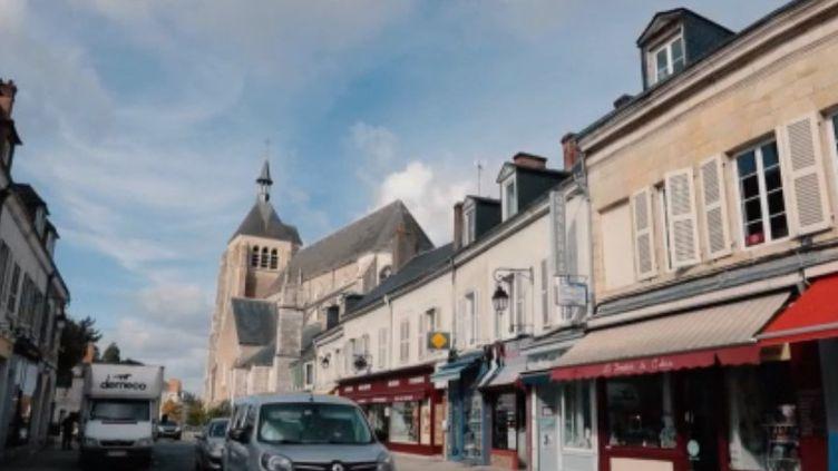 Des habitants du Loiret ont monté un collectif pour développer une maison de transition. C'est pratique et très convivial. (France 3)