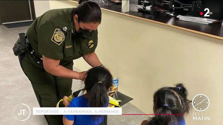 Deux petites filles migrantes recueillies aux Etats-Unis. (France 2)