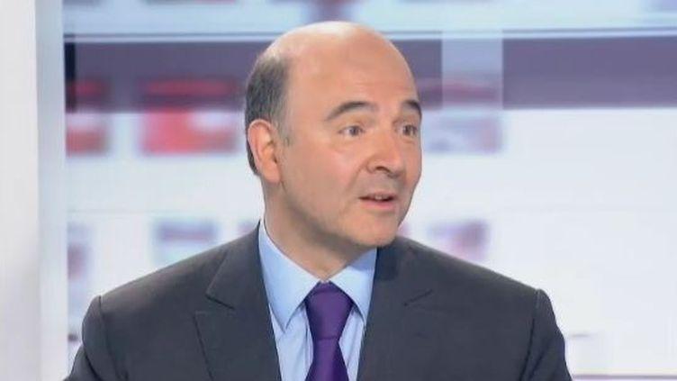 """Pierre Moscovici, le directeur de campagne de François Hollande, le 7 mai 2012 dans l'émission """"Les 4 Vérités"""", sur France 2. (FTVI / FRANCE 2)"""