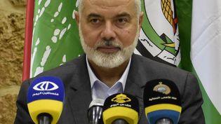 Le chef du HamasIsmaïl Haniyeh lors d'une conférence de presse, le 30 juin 2021 à Beyrouth au Liban. (MAHMUT GELDI / ANADOLU AGENCY / AFP)