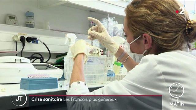 Covid-19 : les Français plus généreux avec les associations et les fondationsr