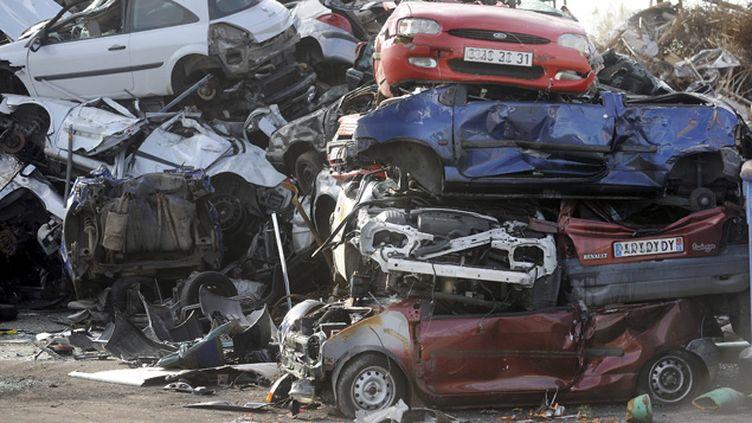 (Le recyclage des déchets automobiles constitue un vivier d'emplois trop peu exploité, selon l'Institut de l'économie circulaire © MaxPPP)
