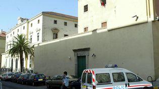 La maison d'arrêt d'Ajaccio (Corse-du-Sud), le 25 août 2003. (MAXPPP)